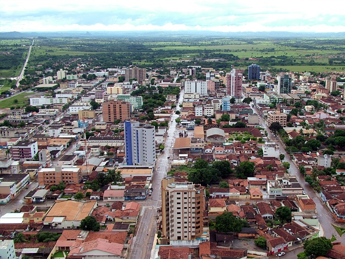 Vista_aérea_do_centro_da_cidade_de_Unaí_MG.jpg